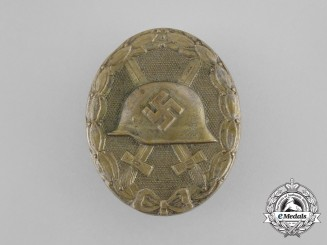 A Second War German Gold Grade Wound Badge by Steinhauer & Lück