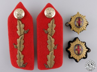 British General's Collar Tab Pair and Insignia