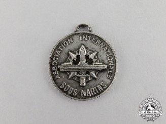 France. An International Submarine Association Badge