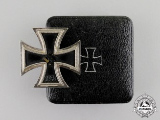 Germany. An Iron Cross 1939 First Class in its Presentation Case; Brass Core Version