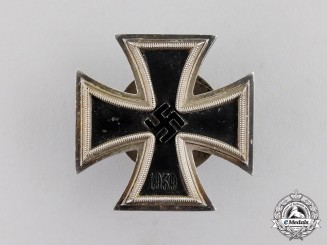 Germany. An Iron Cross 1939 First Class by Rudolf Souval of Vienna; Screwback Version