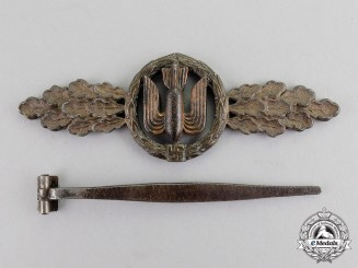 Germany. A Luftwaffe Bronze Grade Squadron Clasps for Bombers by G.H. Osang