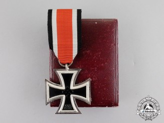 Germany. A Mint Private Purchase Iron Cross 1939 Second Class in its Presentation Case