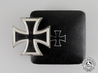 Germany. An Iron Cross 1939 First Class in Case of Issue by Wächtler & Lange