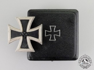 Germany. An Iron Cross 1939 First Class in its Presentation Case of Issue by Wilhelm Deumer