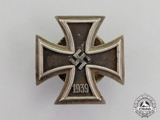 Germany. An Iron Cross 1939 First Class; Screwback Version