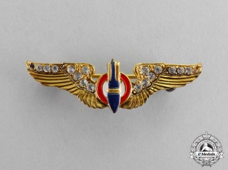 United States. An Army Air Force (USAAF) Bombardier Sweetheart Badge