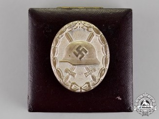 Germany. A Wound Badge, Silver Grade, in its Original Presentation Case by Rudolf Wächtler & Lange