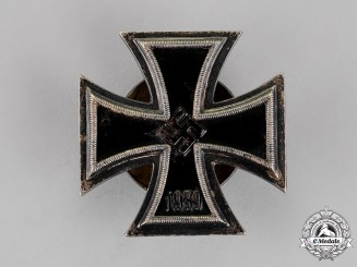 Germany. An Iron Cross 1939 First Class, Screwback Version, by R. Wächtler & Lange