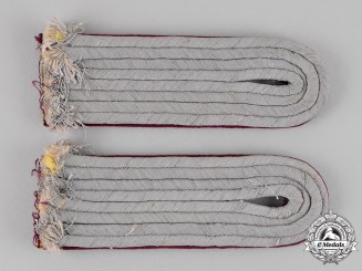 Germany. A Set of Wehrmacht Nebelwerfer Artillery Lieutenant Shoulder Boards, Sew-On Type
