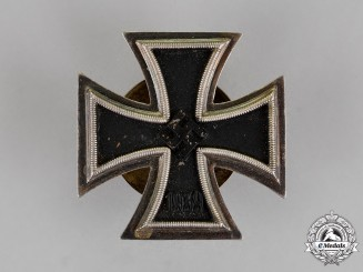 Germany. A Cased Iron Cross 1939 1st Cl. by R. Souval of Vienna; Screwback Version
