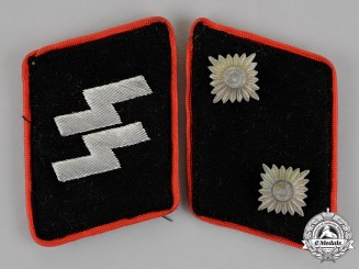 Germany. A Set of Waffen-SS Assault Gun/Anti-Tank Oberscharführer Collar Tabs