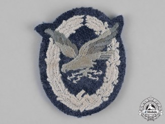 Germany. A Luftwaffe Radio Operator & Air Gunner Badge, Padded Cloth Version