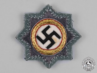 Germany. A Wehrmacht Heer (Army) Issue German Cross in Gold