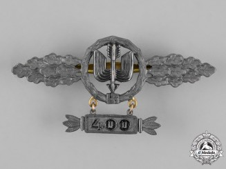 Germany, Luftwaffe.   A Squadron Clasp for Long Distance Figthers, Gold Grade, with 400 Hanger