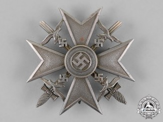 Germany. A Spanish Cross, Silver Grade, With Swords c.1939.