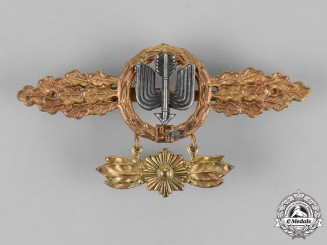 Germany, Luftwaffe. A Squadron Clasp for Long Distance Fighters, Gold Grade, with Hanger