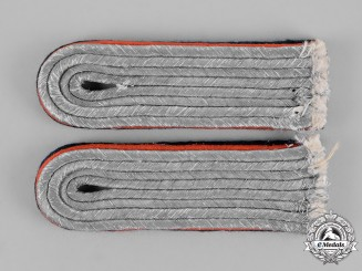 Germany, Wehrmacht. A Set of Wehrmacht Reserve Artillery Lieutenant Shoulder Boards