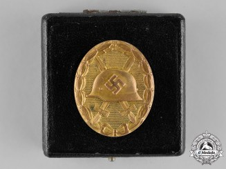 Germany, Wehrmacht. A Cased Wound Badge, Gold Grade