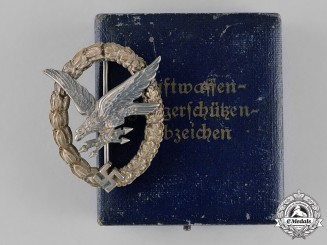 Germany, Luftwaffe. A Cased Radio Operator & Air Gunner Badge, by Jmme & Sohn