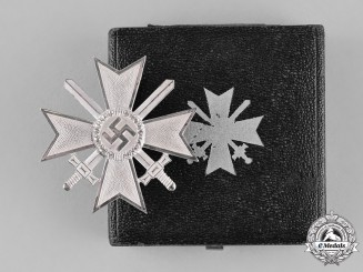 Germany. A War Merit Cross First Class with Swords, in its Presentation Case of Issue
