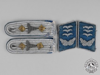 Germany, Luftwaffe. A Set of Hauptmann Medical Staff Collar Tabs and Shoulder Boards