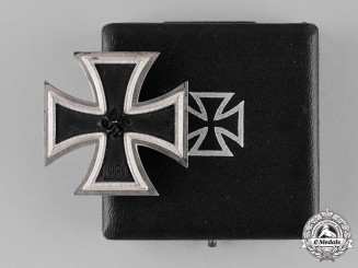 Germany. A Cased Iron Cross 1939 First Class