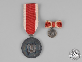Germany. A Social Welfare Medal, with its Miniature Mounted onto a Ladies Ribbon