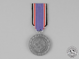 Germany. An Air Raid Defense Medal, Second Class, Heavy Version