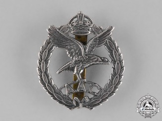 Great Britain. An Army Air Corps (AAC) Cap Badge