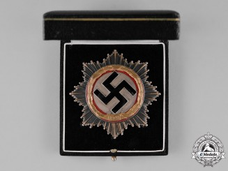 Germany, Third Reich. A Cased German Cross in Gold, by Deschler & Sohn