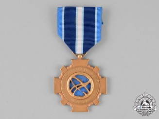 United States. A NASA Distinguished Service Medal,