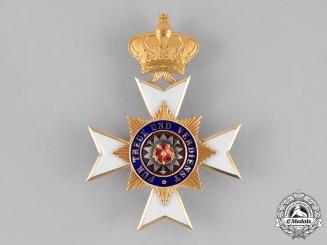 Schaumburg-Lippe. A Princley Schaumburg-Lippe Houseorder, Officer's Cross in Gold, c.1910
