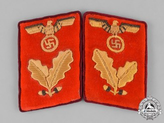 Germany, NSDAP. A Set of NSDAP Bereichsleiter Collar Tabs, RZM Marked