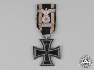 Prussia, Kingdom. A I. Class Iron Cross 1914 with a Clasp to the II. Class Iron Cross 1939, Second Type