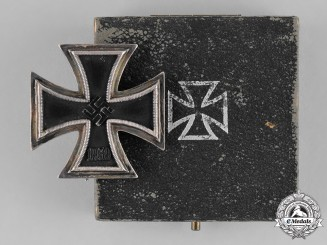 Germany, Wehrmacht. A Cased I. Class Iron Cross 1939, by Ferdinand Wiedmann