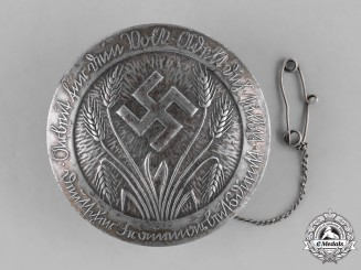 Germany, RAD. An Early Deutscher Frauenarbeitsdienst (German Women's Labour Service) Maidenführerin Membership Brooch