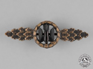 Germany, Federal Republic.  A Front Flying Clasp for Luftwaffe Bombers, Bronze Grade, Alternative 1957 Version