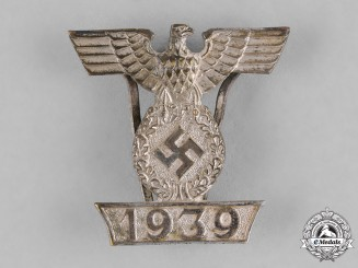 Germany, Wehrmacht. A Clasp to the 1939 Iron Cross, Second Class, Type II