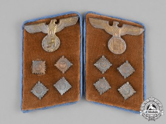 Germany, NSDAP. A Pair of RZM-marked NSDAP Ortsgruppe Gemeinschaftsleiter Collar Tabs