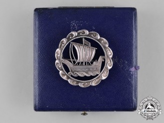 Germany, SS. A SS-Issued Patriotic Badge by Otto Gahr, with Case