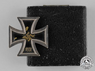 Germany, Wehrmacht. An Iron Cross 1939, I Class in Case by Otto Schickle