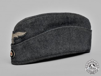 Germany, Luftwaffe. A Luftwaffe EM/NCO's Overseas Cap, c.1943