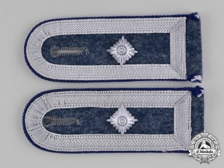 Germany, Luftwaffe. A Pair of Luftwaffe Medical Sergeant Shoulder Straps