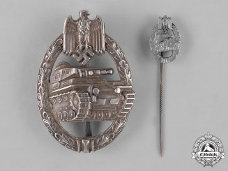 Germany, Heer. A Panzer Assault Badge, Silver Grade, Cut-Out Grass Type, by C.E. Juncker