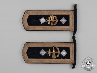 Germany, Kriegsmarine. A Pair of Oberfeldwebel Blocking Weapons Mechanic Shoulder Strap