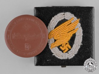 Germany, Luftwaffe. A Cased 1941 Invasion of Crete Commemorative Table Medal