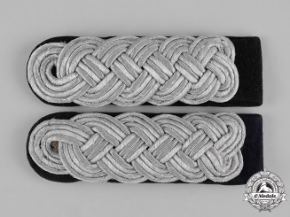 Germany, Kriegsmarine. A Pair of Korvettenkapitän Shoulder Boards