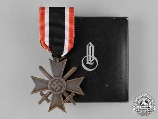 Germany, Wehrmacht. A Cased War Merit Cross, II Class with Swords, by Wilhelm Deumer