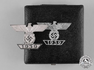 Germany, Wehrmacht. A Clasp to the Iron Cross 1939 I Class with Case, Type II